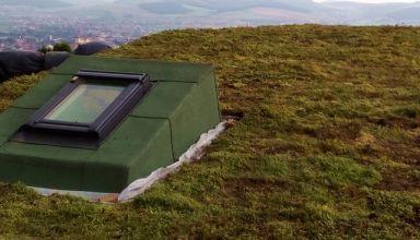 (Română) Terasă verde extensivă cu rulou de sedum, Târgu Mureș, Platoul Cornești